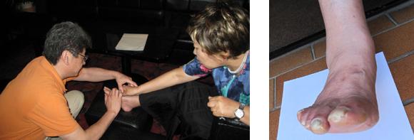 岡先生と安達さんの足